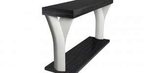 Console Jog : Table leg realized in cast aluminium paint or polished – table top in wood veneer. H : 800mm ­ L 1400mm ­ l 400mm
